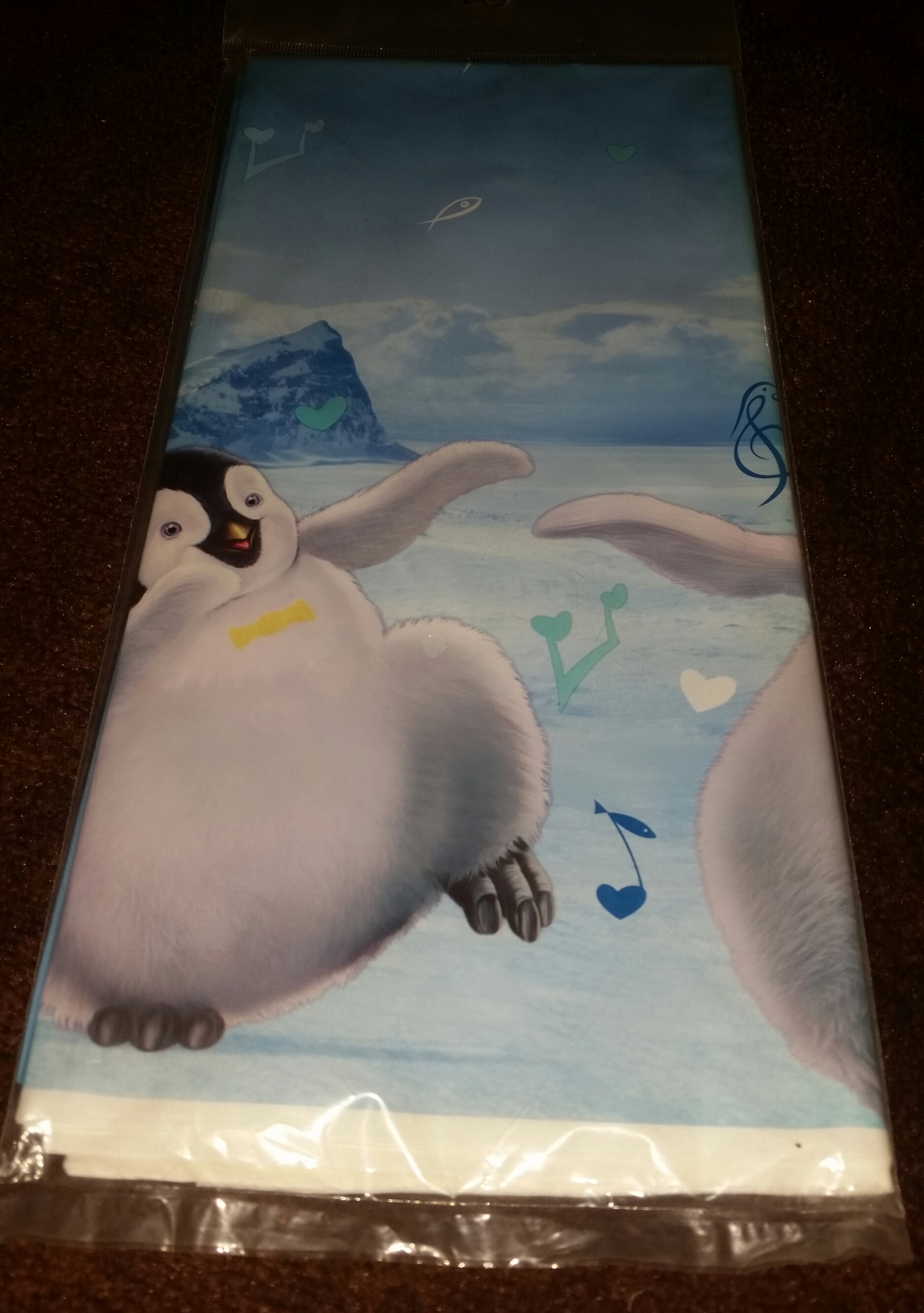Happy Feet Table Cover